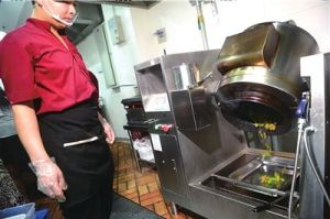 a stir-fry robot in use